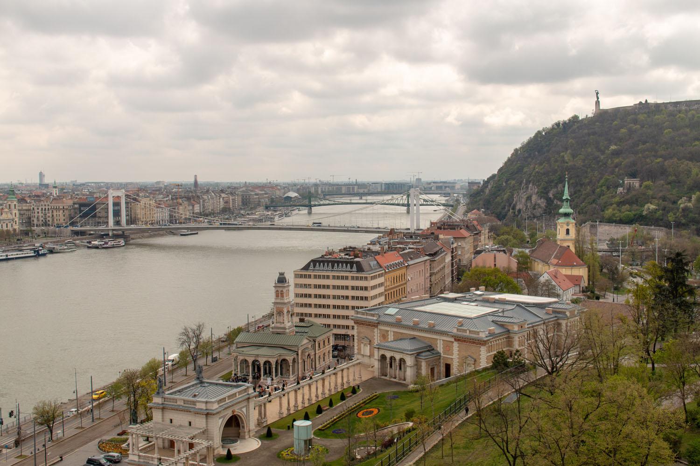 Blick Richtung Zitadelle und Freiheitsbrücke
