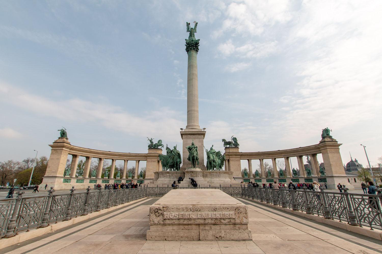 Heldenplatz mit dem Millenniumsdenkmal