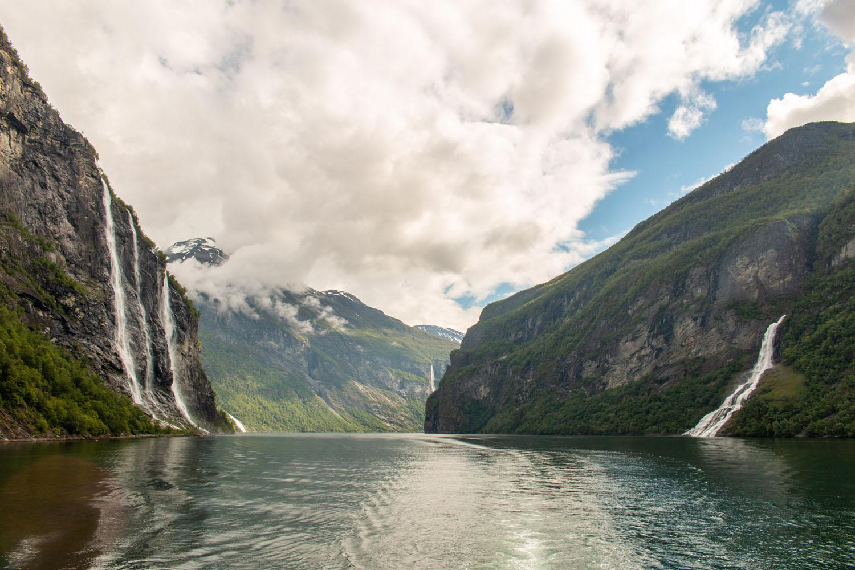 Geirangerfjord mit den Wasserfällen