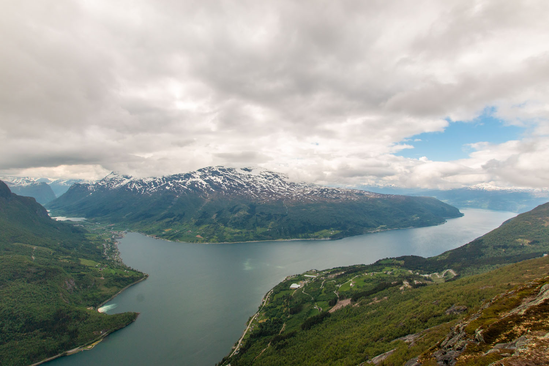 Aussicht auf den Innikfjord und Olden