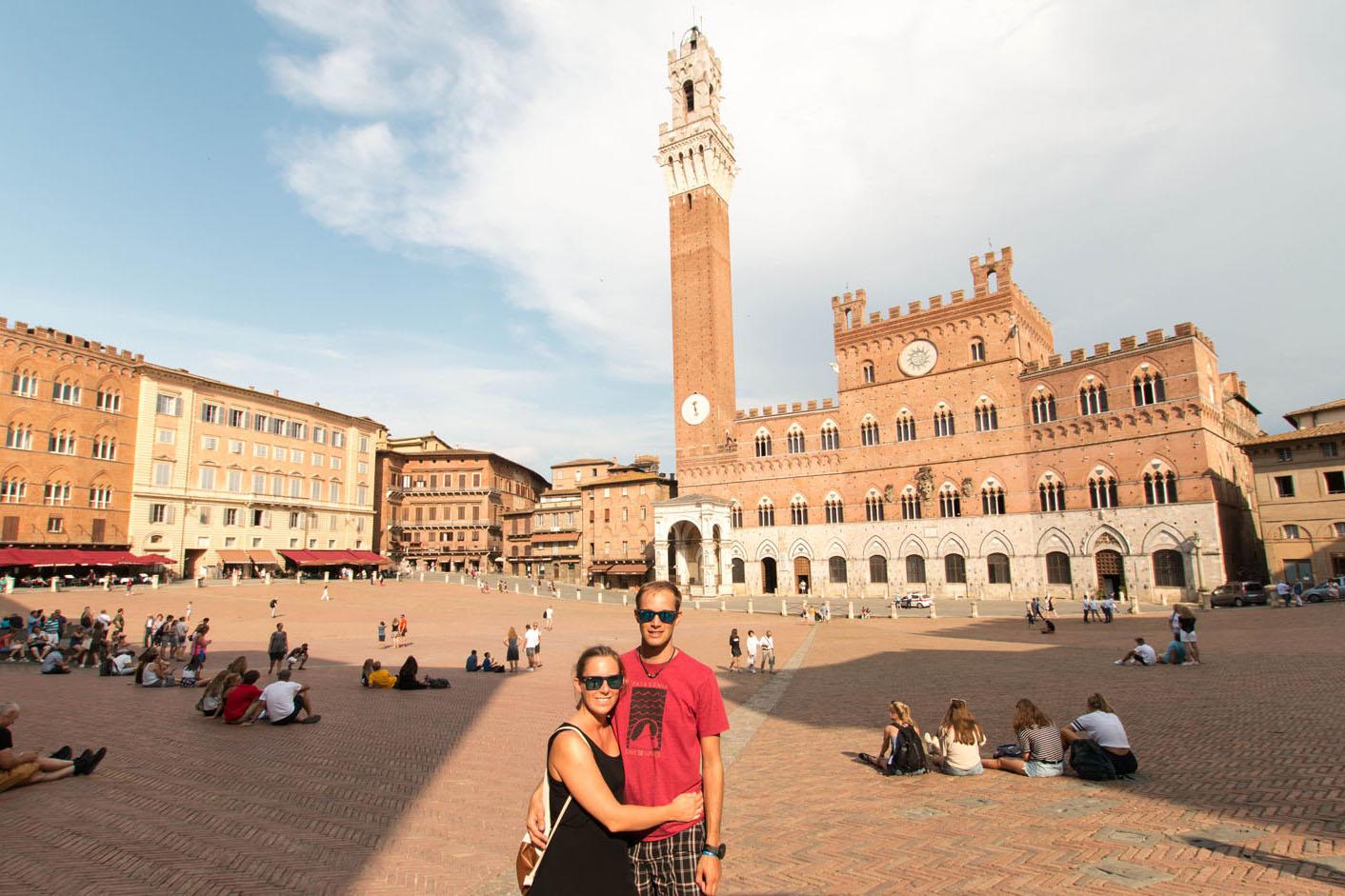 Palazzo Pubblico auf der Piazza del Campo