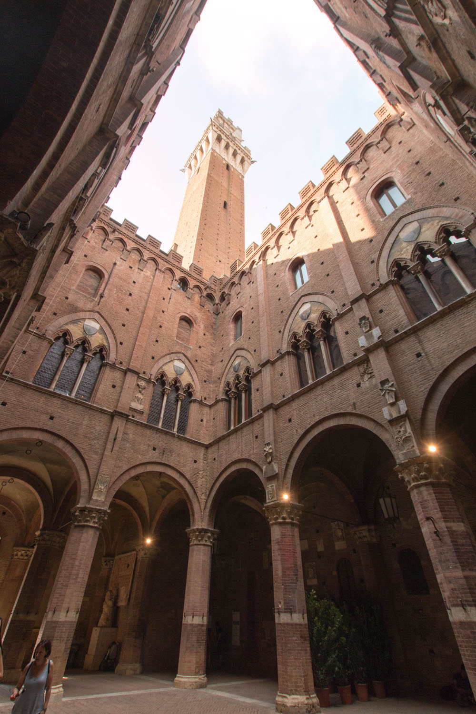 ...Palazzo Publicco