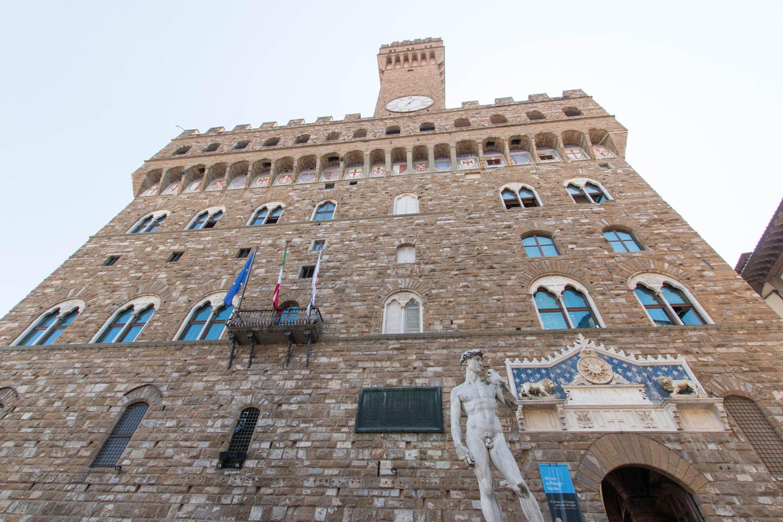 Eingang zu den Uffizien im Palazzo Vecchio