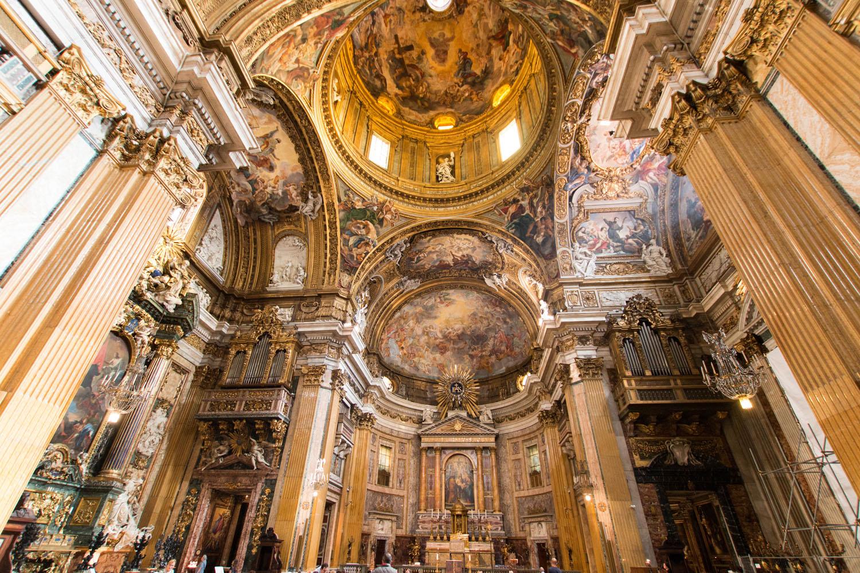 Altarraum der Kirche Il Gesù