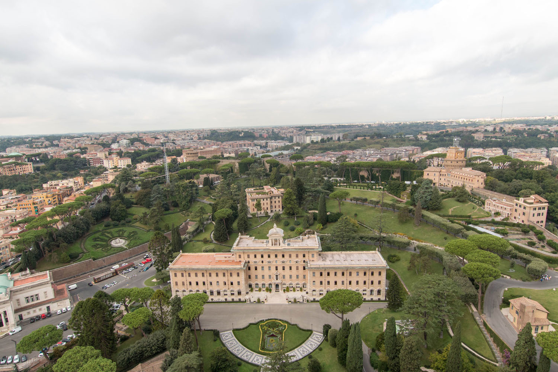 Blick auf die Vatikanischen Gärten...