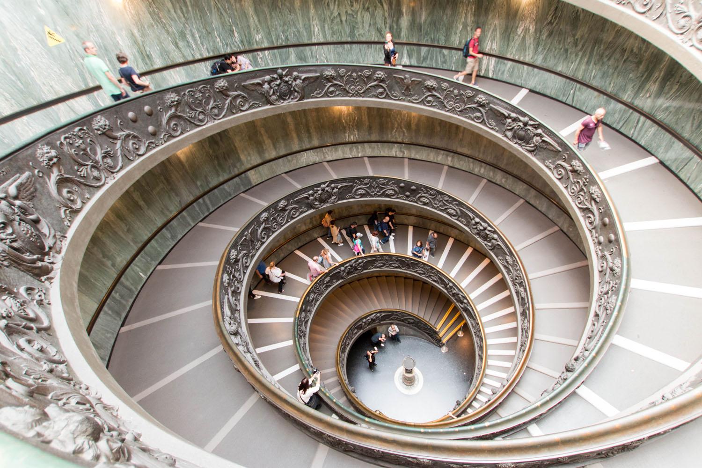 Stiegenaufgang in den Vatikanischen Museen
