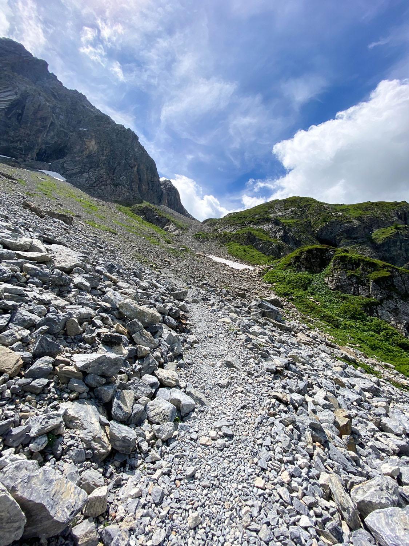 ...geht es immer weiter bergauf,... Obstansersee Hütte