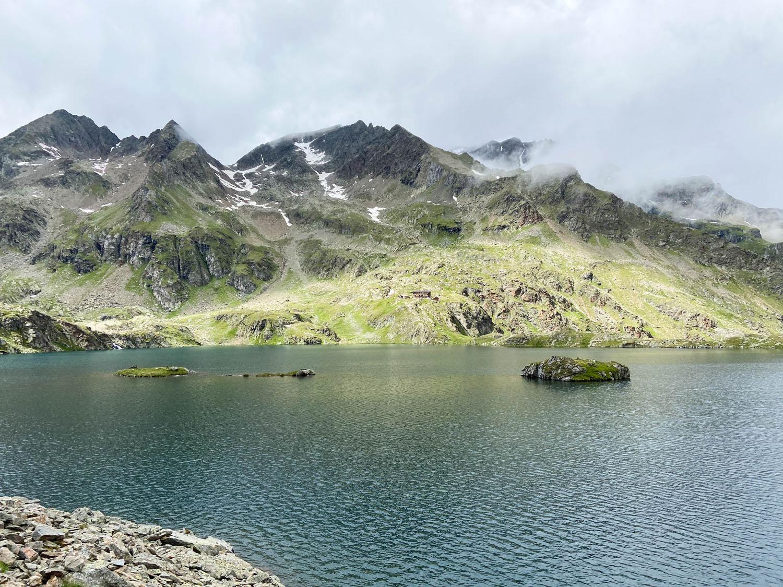 Wangenitzsee mit der Wangenitzseehütte im Hintergrund, Debanttal